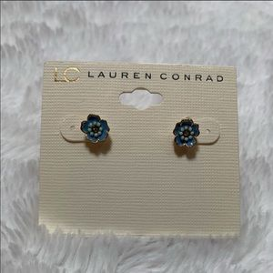 ✨ Lauren Conrad Flower Earrings ✨